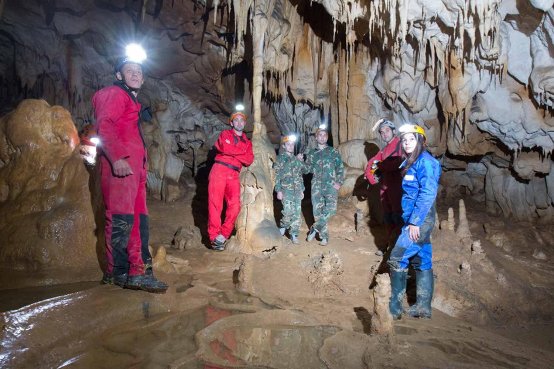 Espeleología en Asturias con Cangas Aventura